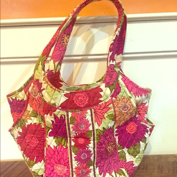 Vera Bradley Handbags - Vera Bradley tote in Hello Dahlia!